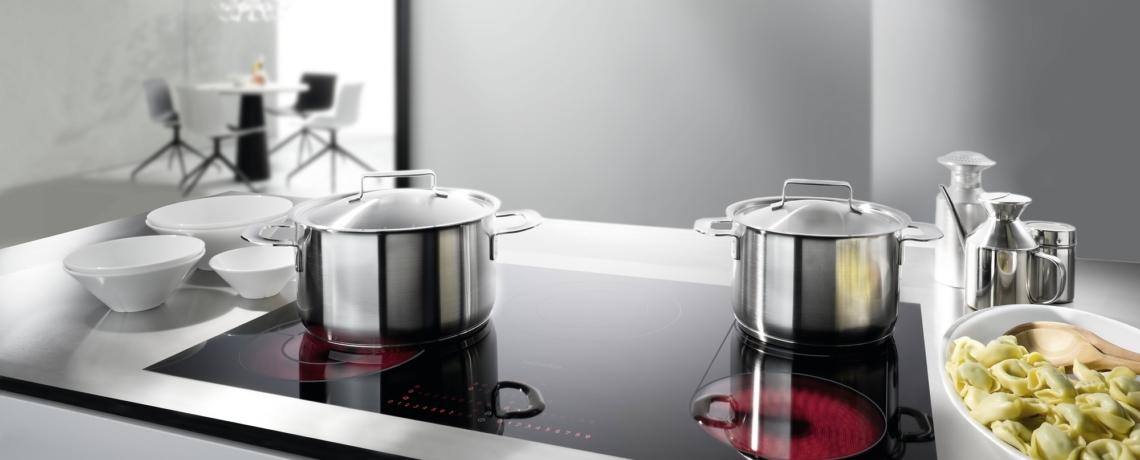 nettoyer les plaques de cuisson en vitroc ramique rapid 39 service porrentruy. Black Bedroom Furniture Sets. Home Design Ideas